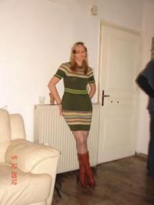 """Момиче става 93 кг след ухапване от стършел, отслабва с """"Диетин"""""""