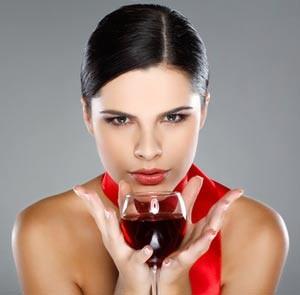chasha-vino-na-den-pomaga-za-otslabvane-12344-500x334
