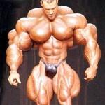 Фитнес легенди: Има ли връзка между големите мускули и силата?