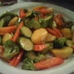Повече зеленчуци в менюто ни- канапе от домати и спанак с яйце