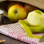 Как яденето на ябълката с кората ни помага да отслабнем