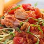 Диетичен сос за паста от риба тон