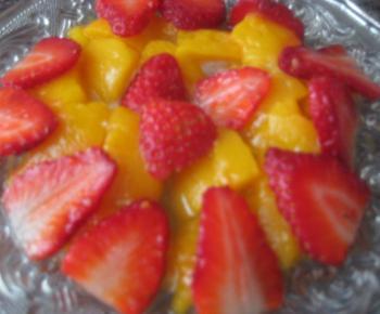 salata-portokali-yagodi
