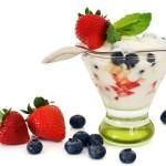 Диета с кисело мляко и плодове