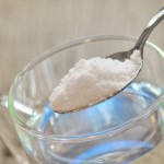 Как да използваме сода бикарбонат, за да отслабнем