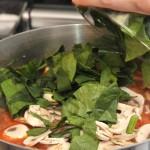 Диетична супа от спанак и гъби