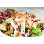 Традиционна пилешка салата