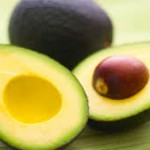 Авокадото топи мазнините по корема