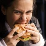Защо напълняваме заради бързо хранене