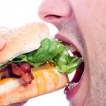 Как да изразходим калории от един хамбургер?