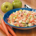 Диетична салата от ябълка и моркови
