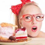 Как да контролираме приема на храна, за да не напълняваме – полезни тактики: